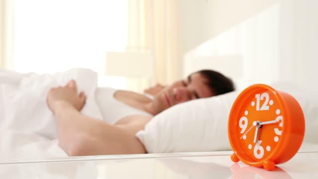 waking up! - kudde dekor bildbanksvideor och videomaterial från bakom kulisserna