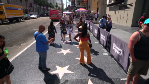 vídeos y material grabado en eventos de stock de walk of fame - paseo de la fama