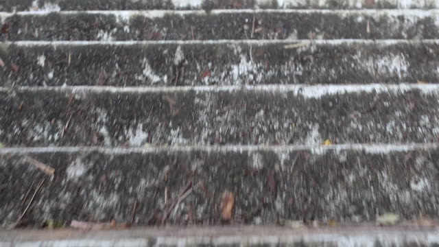 vídeos de stock e filmes b-roll de walk on old concrete stairs. - steps and staircases