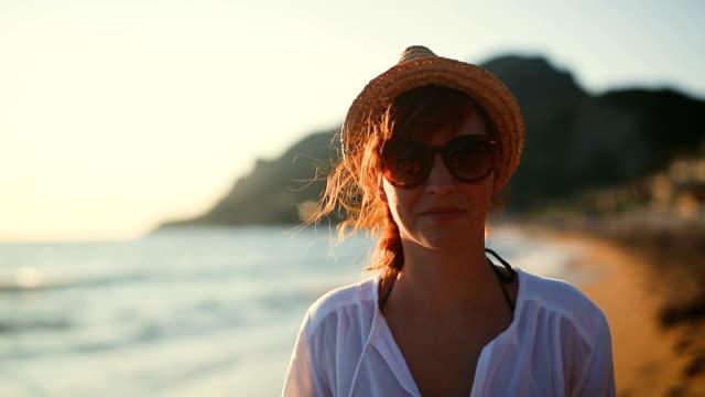 Wandelen tussen mooie strand in Corfu eiland