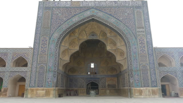 walking around the jameh mosque of isfahan, iran - mosaic stock videos & royalty-free footage