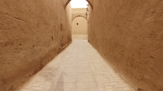 walking around yazd old city, iran - empire stock videos & royalty-free footage
