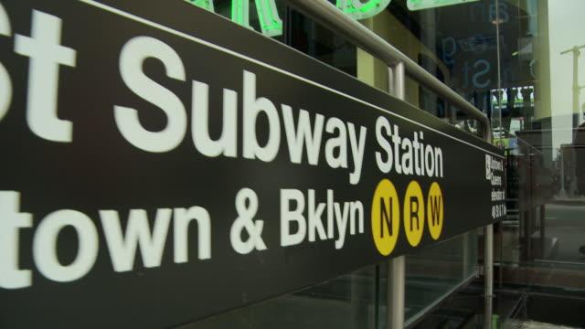 pov walking at subway sign / new york city, new york, usa - western script stock videos & royalty-free footage