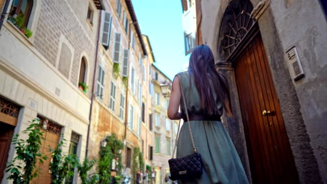 Walking at the streets of Rome