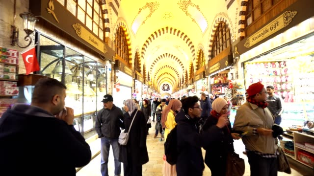 walking in the gran bazar of istanbul - spice stock videos & royalty-free footage