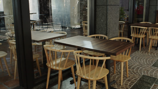 Walkthrough of Empty Restaurant with Indoor and Outdoor Seating