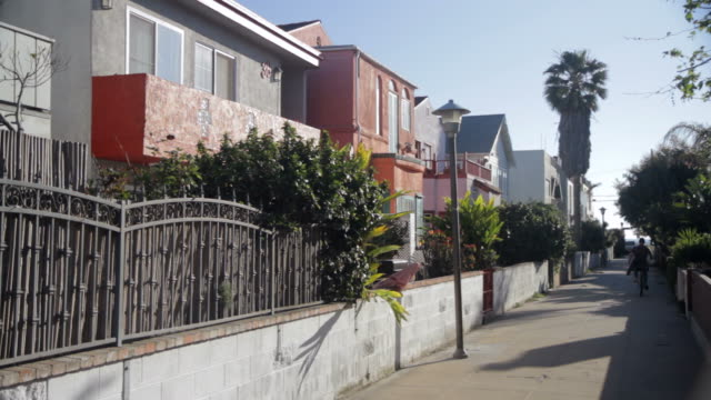 walkway in nice neighborhood - santa monica stock videos & royalty-free footage