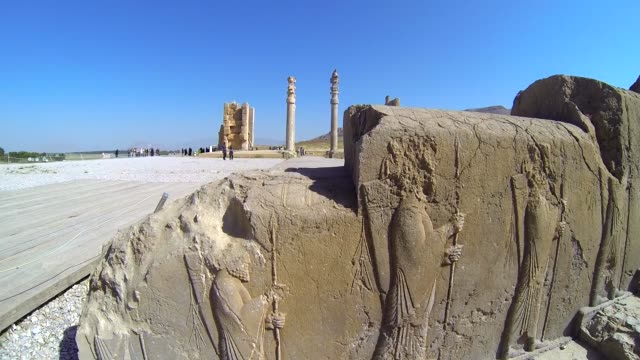 wall reliefs of  ancient persepolis in iran - persepoli video stock e b–roll