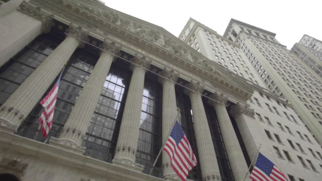 wall street - wall street lower manhattan stock videos & royalty-free footage