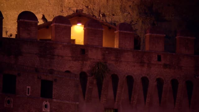 walls of castel sant angelo in rome - rom stock-videos und b-roll-filmmaterial