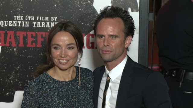 """walton goggins at """"the hateful eight"""" world premiere at arclight cinemas on december 07, 2015 in hollywood, california. - arclight cinemas hollywood stock-videos und b-roll-filmmaterial"""