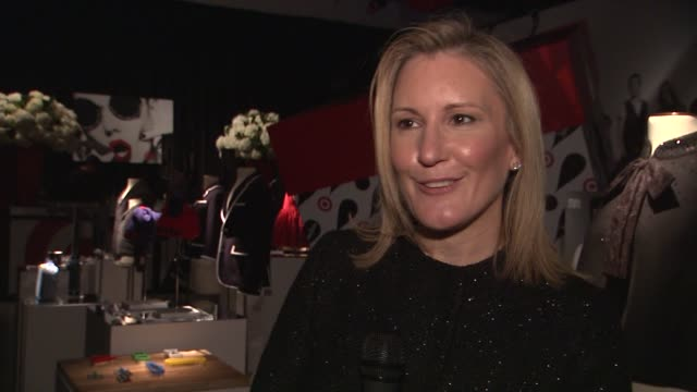 stockvideo's en b-roll-footage met wanda gierhart on the collaboration between neiman marcus and target, on the designers involved at target + neiman marcus holiday collection event on... - neiman marcus