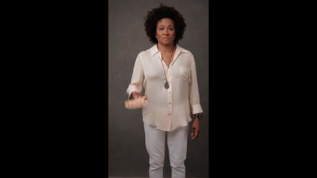 wanda sykes of 'talk show the game show' is photographed for entertainment weekly magazine at the 2017 atx television festival - cinemagraphs in... - television game show stock-videos und b-roll-filmmaterial