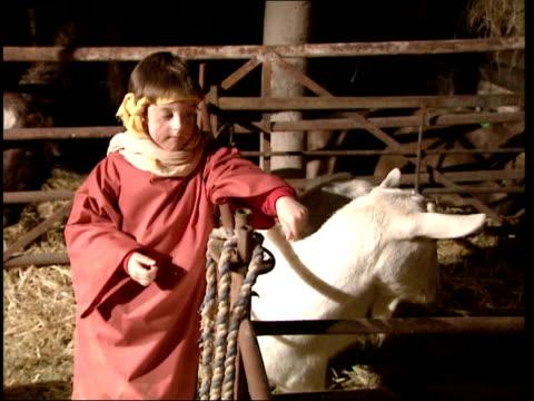stockvideo's en b-roll-footage met wandsworth chesterton primary school cutaways seq children in nativity play - wandsworth