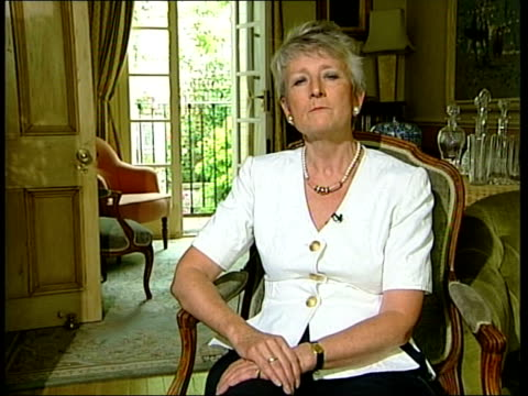 slobodan milosevic lawyer's prepare defence; itn england: ???? int dame pauline neville-jones interview sot - would be prepared to give evidence in... - slobodan milosevic stock-videos und b-roll-filmmaterial