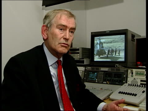 us send in special forces/northern alliance preparations itn england london gir int charles heyman interview sot look like members of western us... - 2001年~ アフガニスタン紛争点の映像素材/bロール