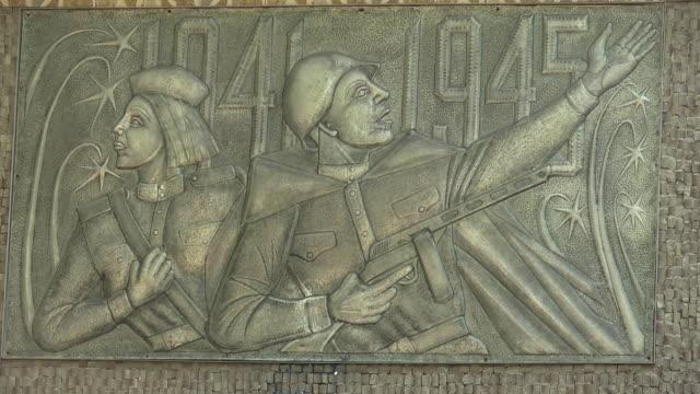 c/u war memorial detail - female likeness stock videos & royalty-free footage