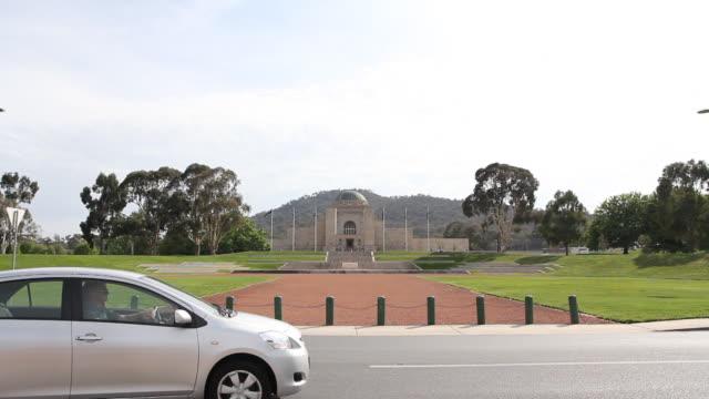 w/s war memorial exterior - war memorial stock videos & royalty-free footage
