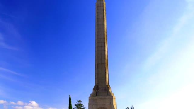 vídeos de stock, filmes e b-roll de memorial de guerra na nova zelândia - obelisk