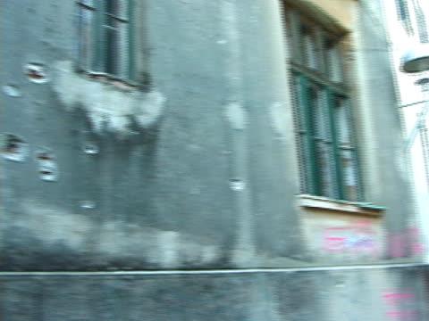 Krieg Zone: Einschussloch Schäden, ziehen, ruhige Frau, Lane