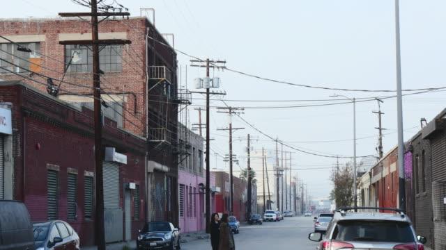 warehouse district - zurückgelassen stock-videos und b-roll-filmmaterial