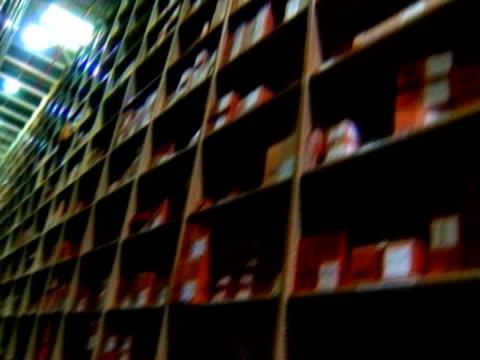 warehouse storage - warehouse点の映像素材/bロール