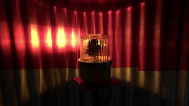 vidéos et rushes de voyant d'alarme sirène - un seul objet