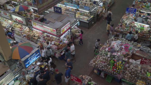 チェンマイ市のワロト市場 - お土産点の映像素材/bロール
