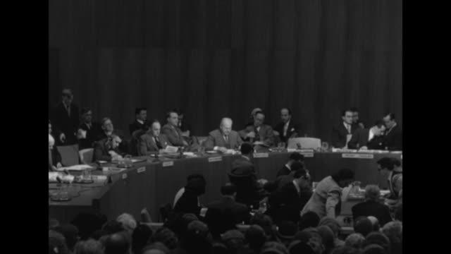 stockvideo's en b-roll-footage met warren austin us representative to the un general assembly references douglas macarthur / yugoslavian delegate vladimir popovic / sot austin the... - douglas macarthur