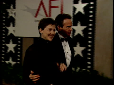 warren beatty and annette bening talk together on the red carpet, - annette bening stock videos & royalty-free footage
