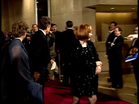 vídeos de stock, filmes e b-roll de warren beatty annette bening and shirley maclaine walking down red carpet - american film institute