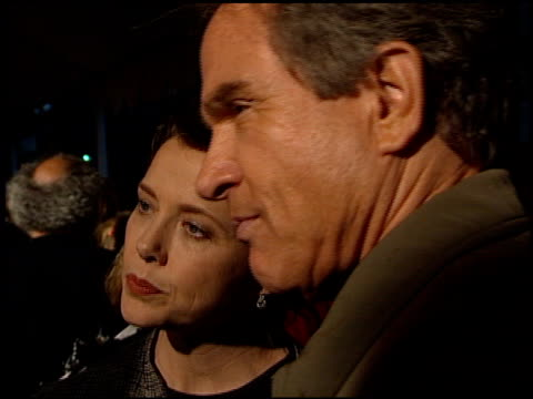 warren beatty at the 'bulworth' premiere at academy theater in beverly hills california on may 4 1998 - beverly beatty stock videos & royalty-free footage