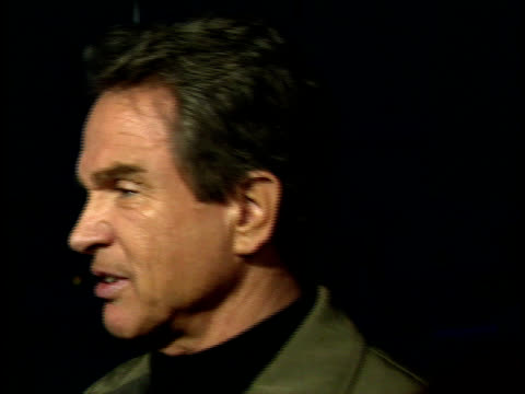 warren beatty talks to reporters. - warren beatty stock videos & royalty-free footage