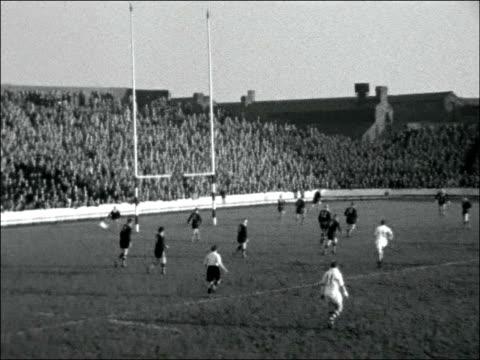 vídeos de stock e filmes b-roll de warrington beat australia 21-17; england: cheshire: warrington: ext various scenes of play, challinor scoring second try / some crowd shots / t/x... - râguebi desporto