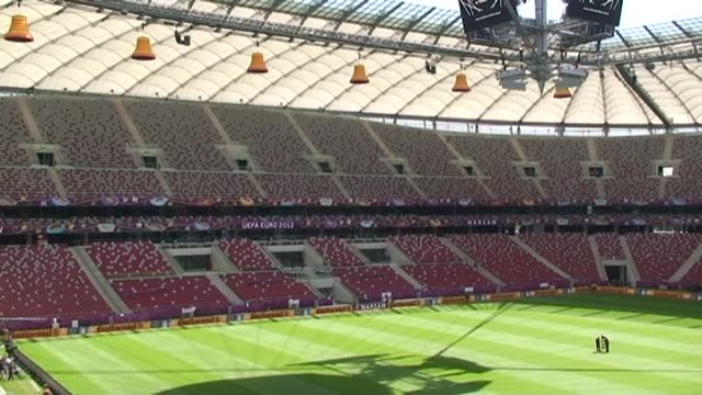nacho temiño poland are putting the final touches on for the start of euro 2012 which begins in warsaw on friday the country is expecting the arrival... - warschau stock-videos und b-roll-filmmaterial