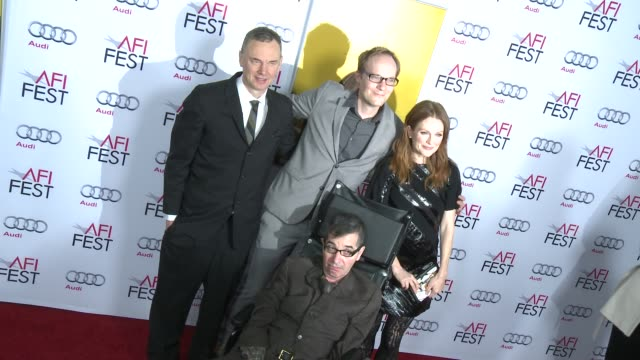 stockvideo's en b-roll-footage met wash westmoreland james brown julianne moore and richard glatzer at afi fest 2014 presented by audi still alice premiere at dolby theatre on november... - dolby theatre