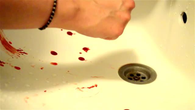 Blutige Hände waschen