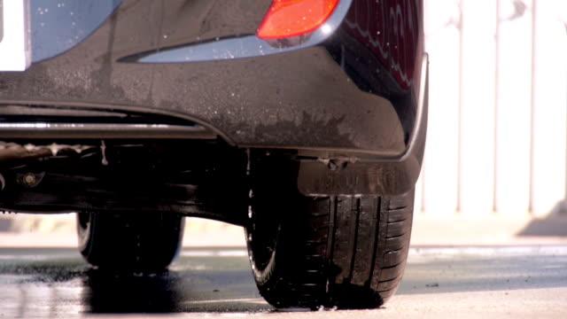 washing car-water drop falling - biltvätt bildbanksvideor och videomaterial från bakom kulisserna