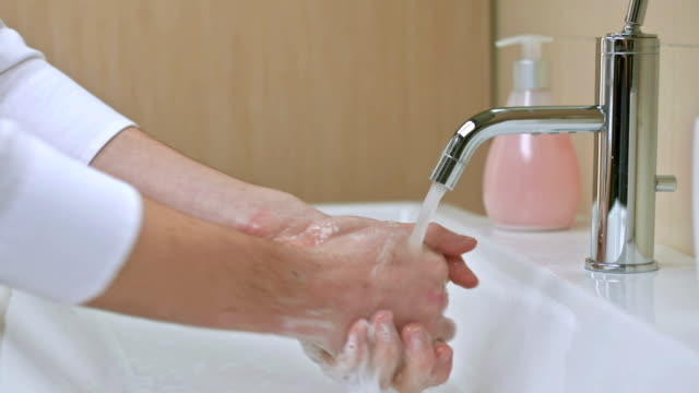 washing hands - washing hands stock videos & royalty-free footage