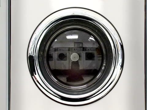 lavatrice parte 5, centrifugazione audio - sporco video stock e b–roll