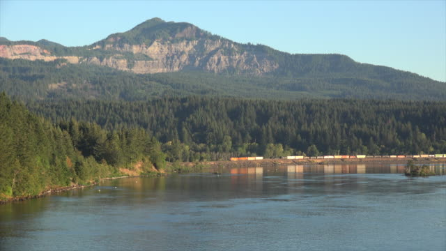 washington columbia river and train in gorge - columbia river gorge stock videos & royalty-free footage