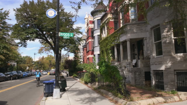 washington dc cityscapes dupont circle - dupont circle stock videos & royalty-free footage