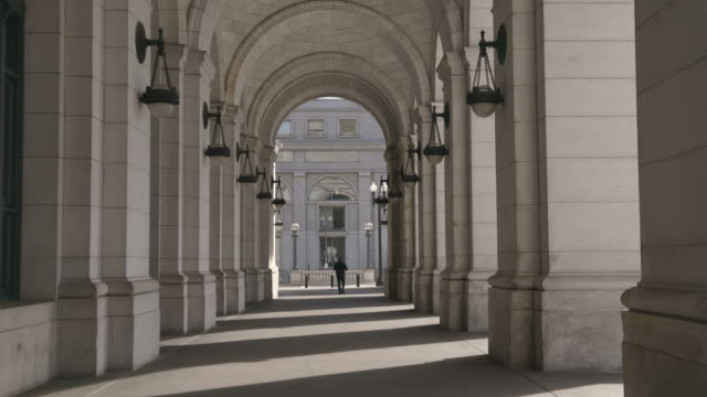 stockvideo's en b-roll-footage met washington dc cityscapes union station - nationaal monument beroemde plaats