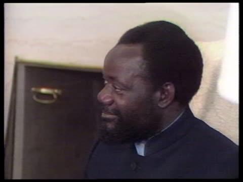 Washington DC INT Jonas Savimbi sitting in meeting with then US President Ronald Reagan