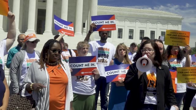 washington dc – june 12, 2019: activist rally outside the us supreme court to oppose the controversial citizenship question in the next census. the... - 国勢調査点の映像素材/bロール