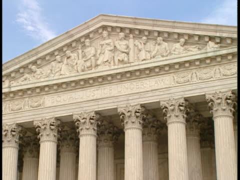 cu, zo, ms, usa, washington, d.c. supreme court building - ペディメント点の映像素材/bロール