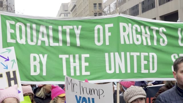 vídeos de stock, filmes e b-roll de washington dc united states – january 19 2019 3rd annual women's march held in washington dc thousands rallied at freedom plaza and marched down... - pennsylvania avenue