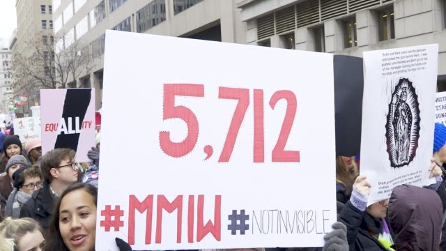 vídeos de stock, filmes e b-roll de washington dc, united states – january 19, 2019: 3rd annual women's march held in washington d.c. thousands rallied at freedom plaza and marched down... - pennsylvania avenue