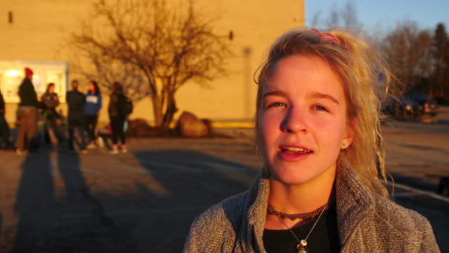 vidéos et rushes de bloomington high school north student ruth nall of bloomington indiana is interviewed after the march for our lives rally in washington dc protesters... - armement