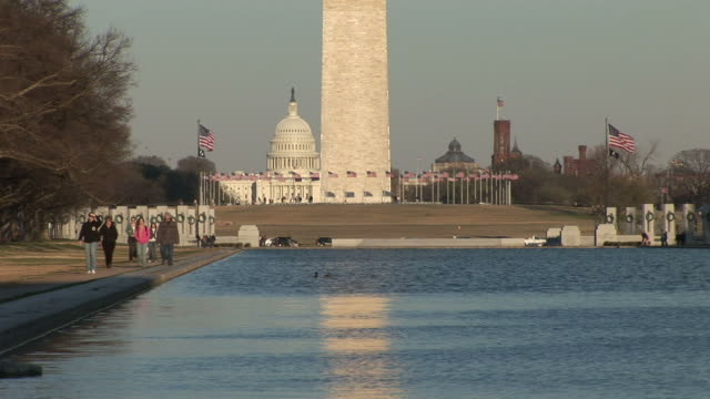 vidéos et rushes de washington dcclose view of washington monument in washington dc united states - le capitole